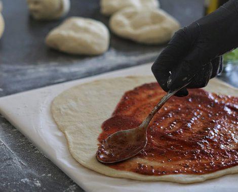 Oud Kempen Eetcafé pizza's saus